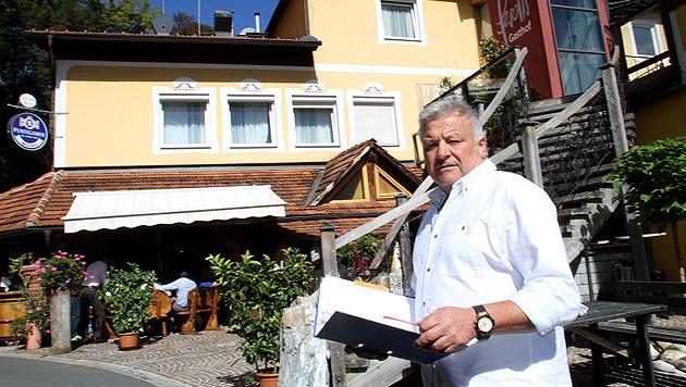 Ferdl Purgstaller hat sich dazu entschlossen, sein Haus für Flüchtlinge zu öffnen. (Bild: Christian Jauschowetz)
