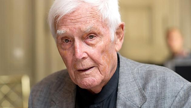 """Joachim """"Blacky"""" Fuchsberger ist im Alter von 87 Jahren verstorben. (Bild: APA/dpa)"""