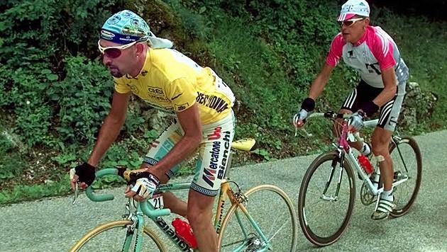 Marco Pantani und Jan Ullrich bei der Tour de France im Jahr 1998 (Bild: AP)