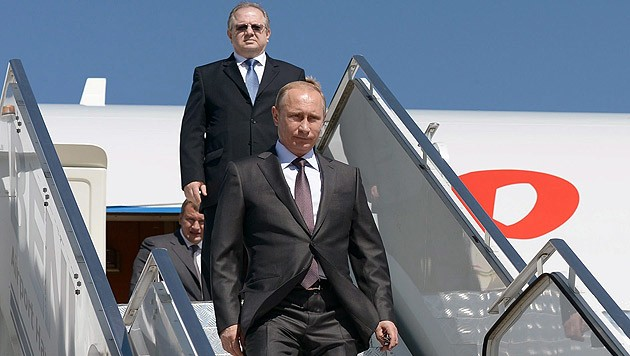 Die russische Version des Abschusses: Die Separatisten wollten Putins Flugzeug treffen. (Bild: APA/EPA/Alexey Nikolsky/RIA NOVOSTI/Pool)