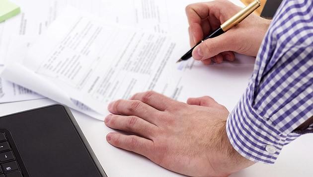 Aufpassen beim Ausfüllen von Anträgen! (Bild: thinkstockphotos.de)
