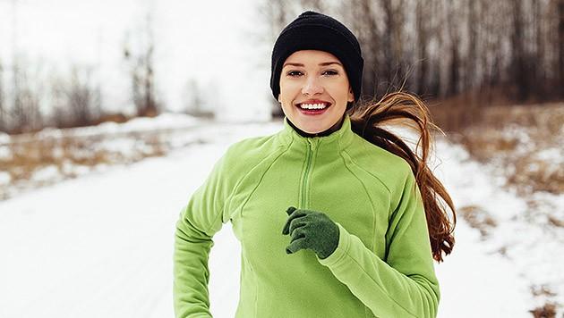 Nicht schonen, sondern warm anziehen und täglich bewegen. (Bild: thinkstockphotos.de)