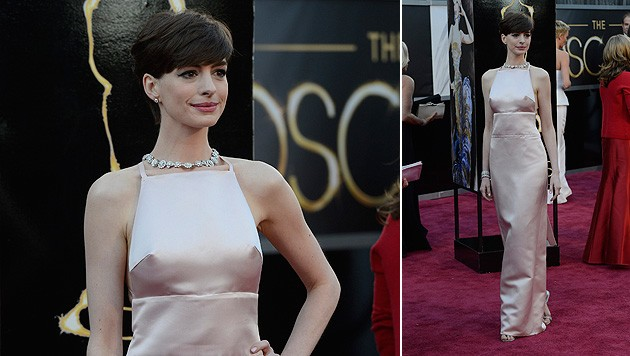 Anne Hathaway entschuldigt sich für rosa Nippel-Kleid