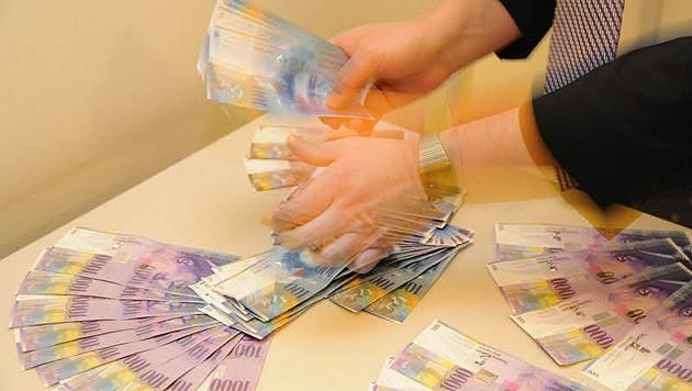 Geldscheine der Schweizer Währung, die in Krisen besonders gefragt war und ist. (Bild: Chris Koller)