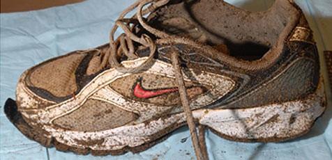 Dieser Schuh wurde mitsamt Knochen 2011 angeschwemmt. (Bild: Royal Canadian Mounted Police)
